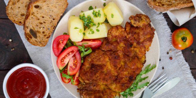 Schnitzel ade - Insekten olé! So essen die Deutschen im Urlaub